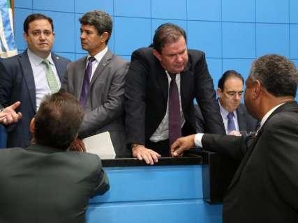 Deputados aguardam 2° turno para discutir comando da Assembleia