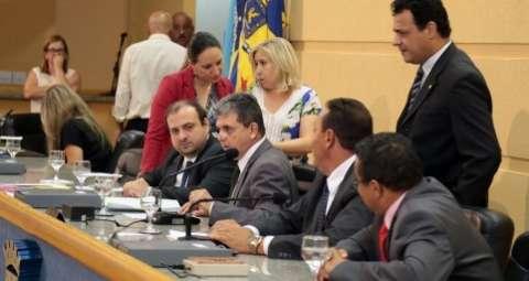 Vereadores aprovaram 64% dos projetos enviados pelo prefeito