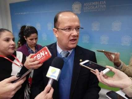 Governo quer economizar R$ 130 milhões com novo contrato de professores