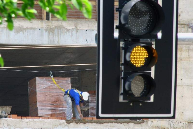 Possibilidade de nova cobrança acende alerta no setor da construção. (Foto: Marcos Ermínio)