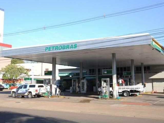 Posto de combustíveis localizado na avenida Afonso Pena (Foto: Paulo Francis)