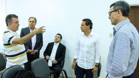 Em reunião, alternativa de transporte coletivo é apresentada ao prefeito
