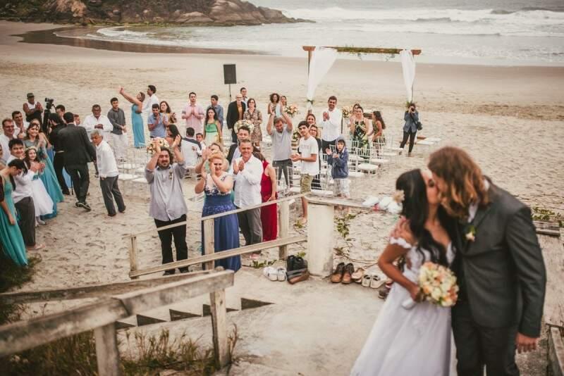 Caminho dos noivos depois do sim. (Foto: Rafael Dalago)