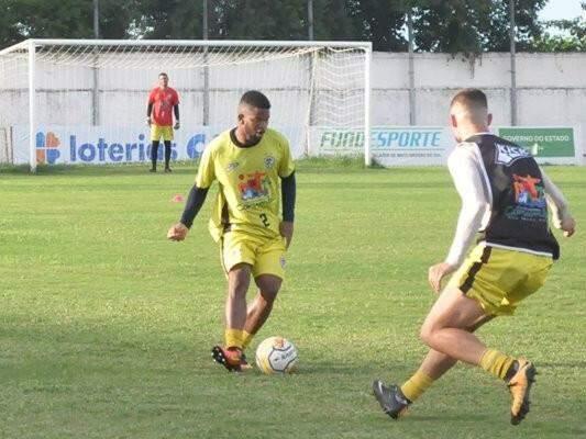 Carijó treina para a partida decisiva contra o Novo (Foto: Junior Teixeira/Corumbaense Futebol Clube)