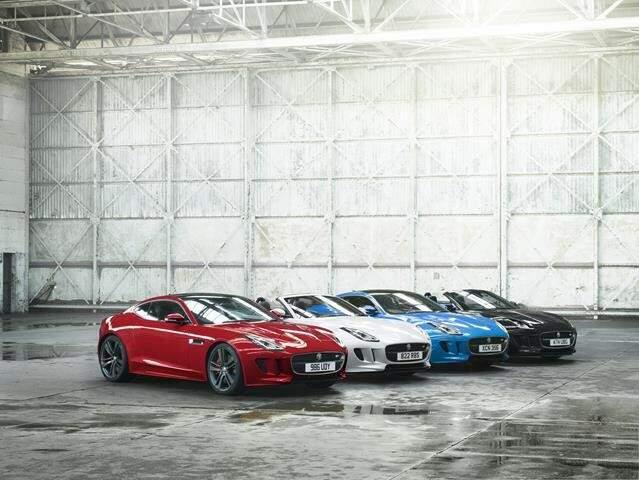 A versão está disponível com as cores: Caldera Red, Glacier White, Ultra Blue. Os clientes também podem optar pelo Ultimate Black