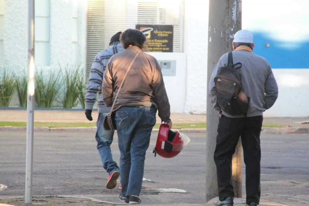 Campo Grande registrou mínima de 7,3ºC, mas vento intensificou a sensação de frio. (Foto: Marcos Ermínio)