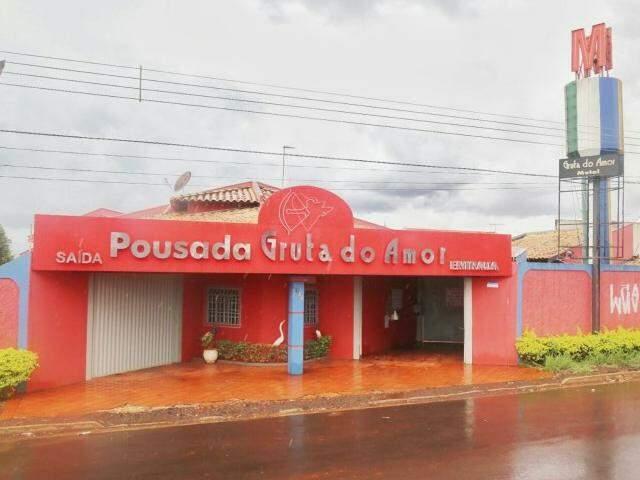 O Motel Gruta do Amor tem três unidades em Campo Grande. Uma na Euler de Azevedo, próximo ao Seq Sabe. (Foto: Fernando Antunes)