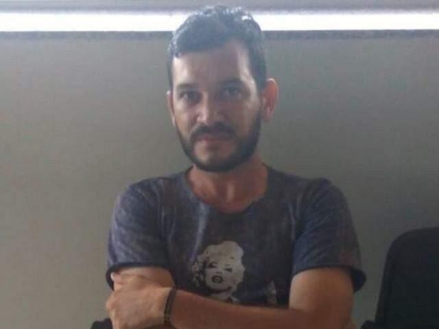 Hugleice em novembro de 2018, depois de ser preso pela PRF em Dourados (Foto/Arquivo: Direto das Ruas)