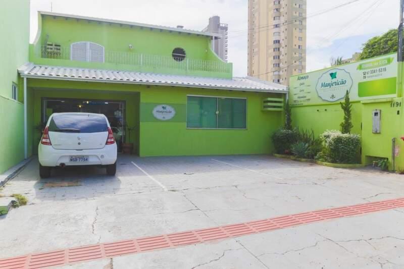 O Manjericão fica na rua Bahia e tem feijoada todas as sextas-feiras (Foto: Fernando Antunes)
