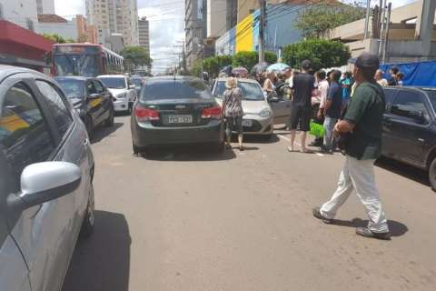 Na contramão da rua 13 de Maio, bandidos trocam tiros com policiais