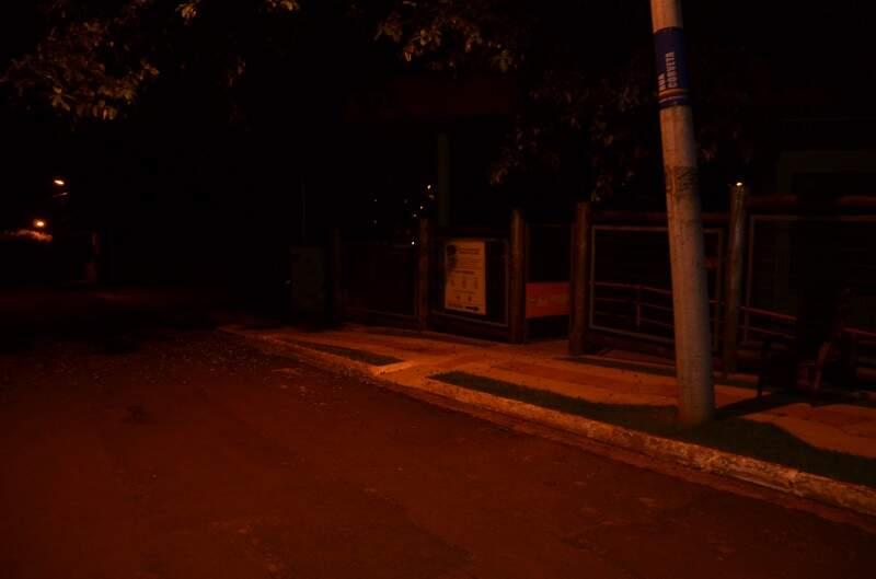 No CEA Polonês, as luzes também ficaram apagadas por 1h por causa da Hora do Planeta