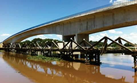 Ponte sobre o rio Miranda, na Estrada Parque, será entregue 4ª ao governo