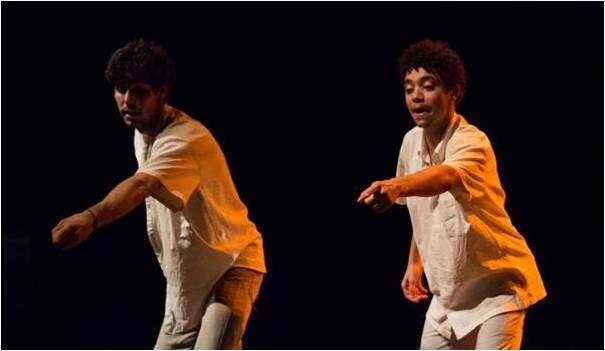 """Em """"Cantigas dum fazedô"""", a interpretação de duas pessoas severinas do nordeste para pessoas severinas de todo o país (Foto: Divulgação)"""
