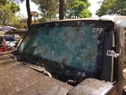 Suspeitos invadem oficina e tentam incendiar blindado em que Rafaat foi morto