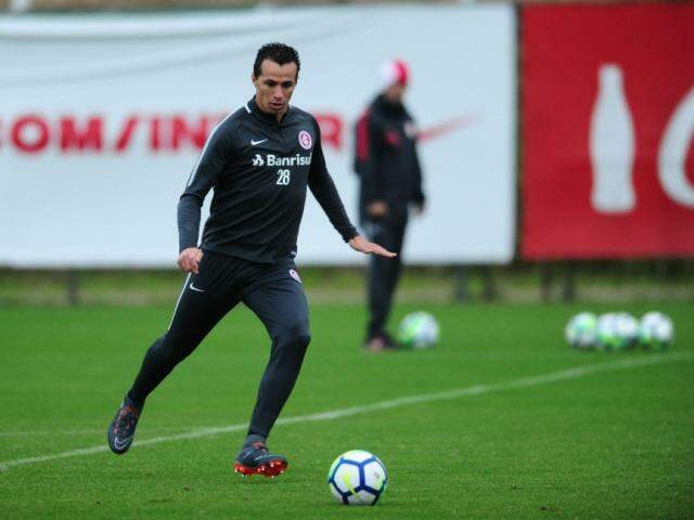 Leandro Damião está confirmado no ataque do Inter contra o time de Chapecó (Foto: SC Internacional/Divulgação)