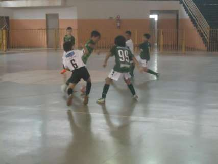 Próxima rodada da Copa Pelezinho de futsal terá 10 partidas no sábado