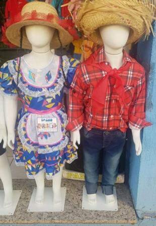 Roupas infantis para a criançada ir nas festas vestidas a carater (Foto: Pandinha Moda Infantil)