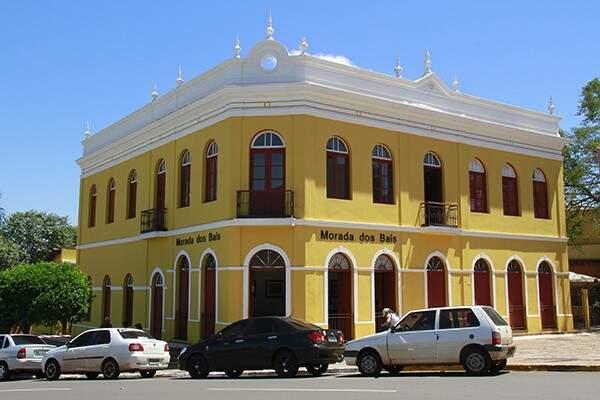 O casarão é de 1918, construído por Bernardo Franco Baís, um imigrante italiano, nascido em 1861, que chegou em Campo Grande no ano de 1879, aos 18 anos de idade (Foto: Reprodução)