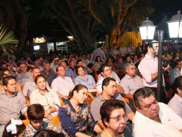 Público acompanhou o evento, que teve homenagens a produtores rurais (Foto: Alan Nantes)