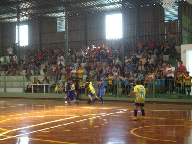 Ginásio Pelezinho/União dos Sargentos recebeu um bom público para acompanhar a rodada. (Foto: Divulgação)