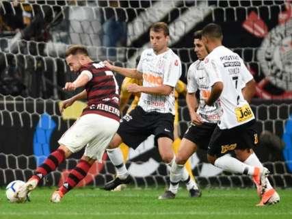 Flamengo vence clássico contra o Corinthians por 1 a 0