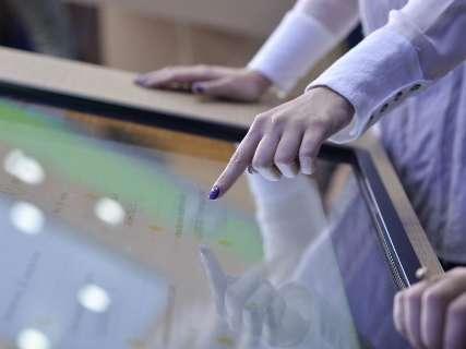 Sicredi oferece atendimento das 10h às 22h com autosserviço touchscreen