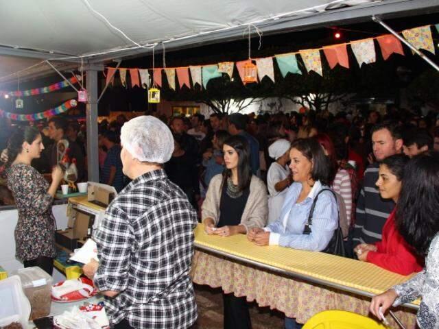 Comida boa, assinada por chefs, foi destaque do Casório do Ano. (Foto: Fernando Antunes)