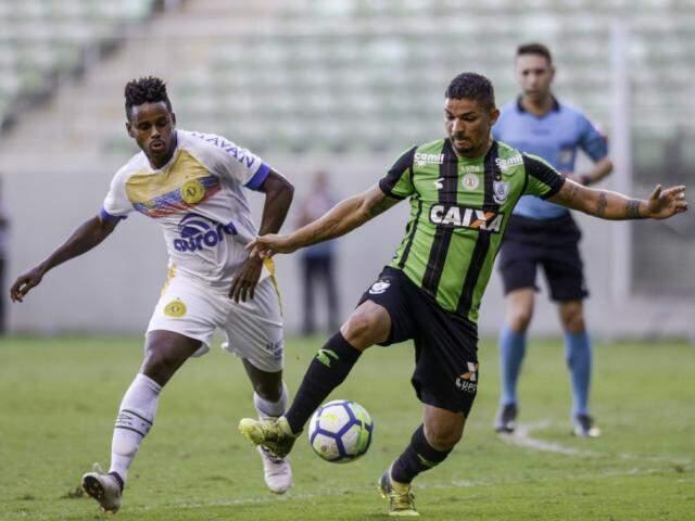 América Mineiro e Chapecoense fizeram partida fraca tecnicamente em Minas (Foto: Mourão Panda/AFC)