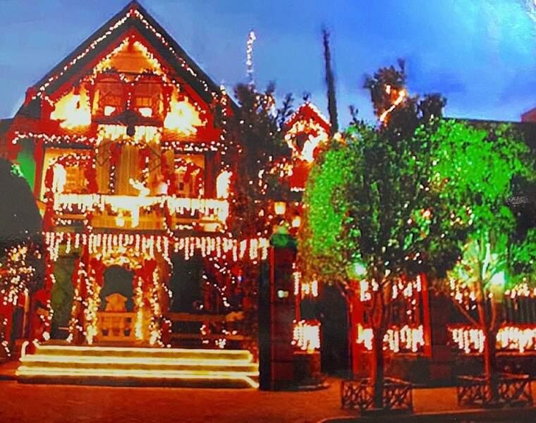"""Foram duas edições de """"Casa do Papai Noel"""", quando imóvel era tomado pelo Natal. (Foto: Arquivo Pessoal)"""