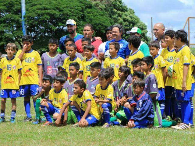 Campeonato marcou inauguração oficial da escolinha de futebol no José Abrão (Foto: Marina Pacheco)