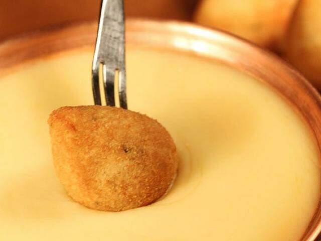 No frio, restaurante serve versão do prato suíço com invenção bem brasileira. (Foto ilustrativa)