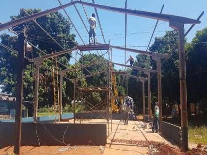 Prefeitura manda demolir sede de ONG para construção de casas