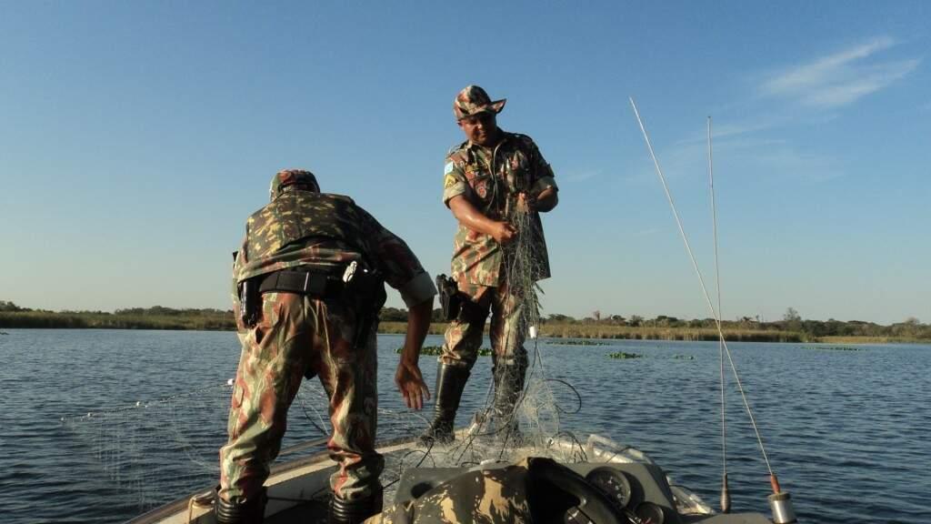 PMA já começou a operação que protege os peixes antes e durante a reprodução (Divulgação/PMA)