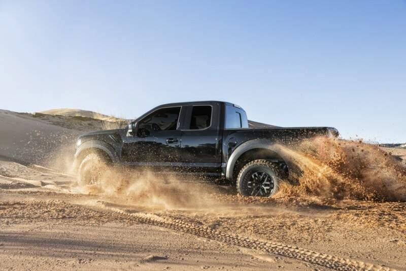 Ford lança o novo Fusion e a F-150 Raptor Supercrew