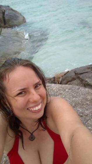 Quando Aline conheceu o mar, em Praia do Forte, Arraial do Cabo, Rio de Janeiro.
