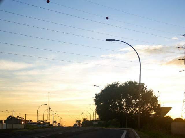 Céu visto da saída para Três Lagoas (Foto: Paulo Francis)