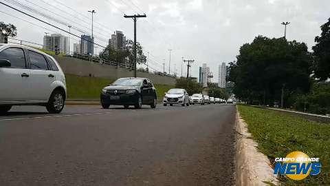 Contra projeto no Senado, motoristas de Uber fazem carreata e buzinaço no Centro