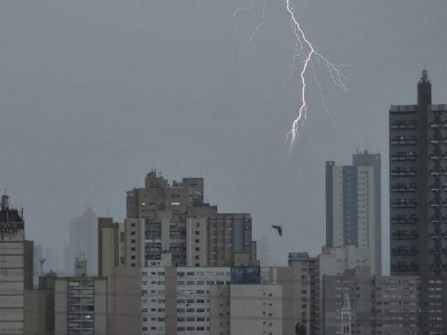 Foram 69.140 raios que caíram em Mato Grosso do Sul, durante a terça-feira (6). (Foto: Arquivo/ Campo Grande News)