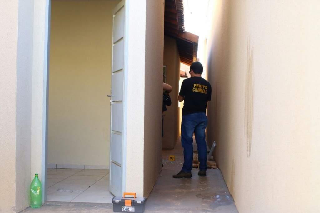 Casa em que Kalbergue afirma ter sido mantido em cativeiro (Foto: André Bittar)