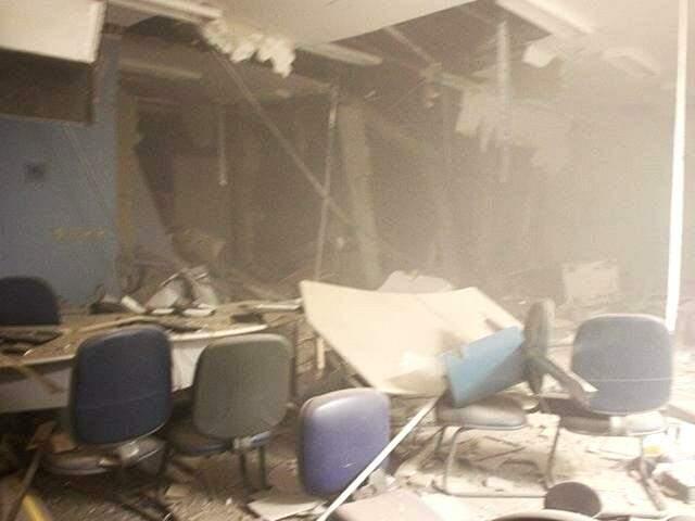 Agência bancária alvo de ataque em Chapadão; cofres foram explodidos. (Foto: Chapadense News)