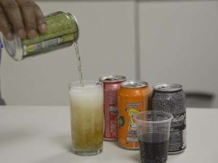 Refrigerante é o sexto alimento mais consumido por adolescentes, diz pesquisa