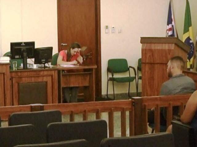 Acusado durante a sessão de julgamento do Três Lagoas. (Foto: JP News)