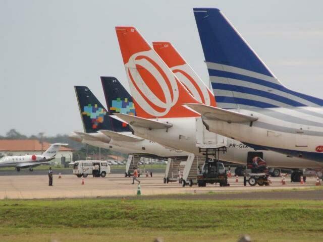 Aeronave estacionadas no aeroporto de Campo Grande (Foto: Arquivo)