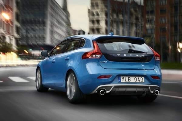 Volvo V40 recebe facelift