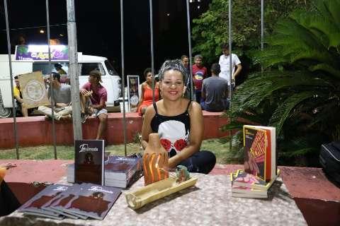 No Dia Nacional da Favela, literatura da periferia invade o Centro para ficar