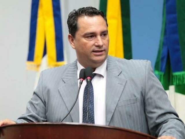 Juarez Oliveira deve receber advertência verba por fala informal registrada na Câmara. (Foto: Câmara Municipal de Dourados/Divulgação)