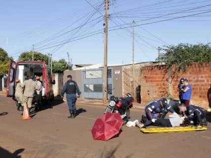 Idosa em bicicleta e motociclista ficam feridos em colisão no Aero Rancho