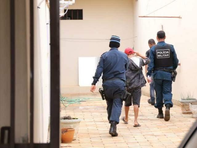 Suspeito foi encontrado no Bairro Nova Campo Grande (Foto: Paulo Francis)