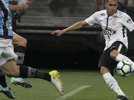 Timão fica no empate com o Grêmio e Flu bate o São Paulo por 3 a 1
