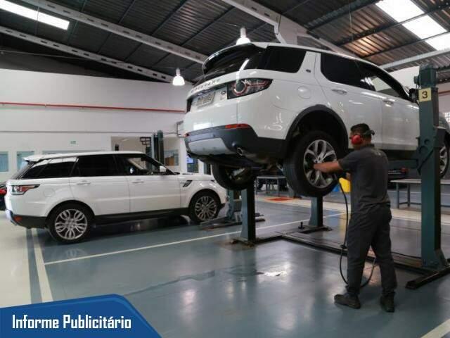 Na oficina Enzo Jaguar Land Rover, pacote com 5 revisões custa só R$ 2.9 mil. (Foto: Alcides Neto)